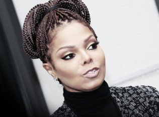 2-5-janet-jackson-cancer-crisis-surgery
