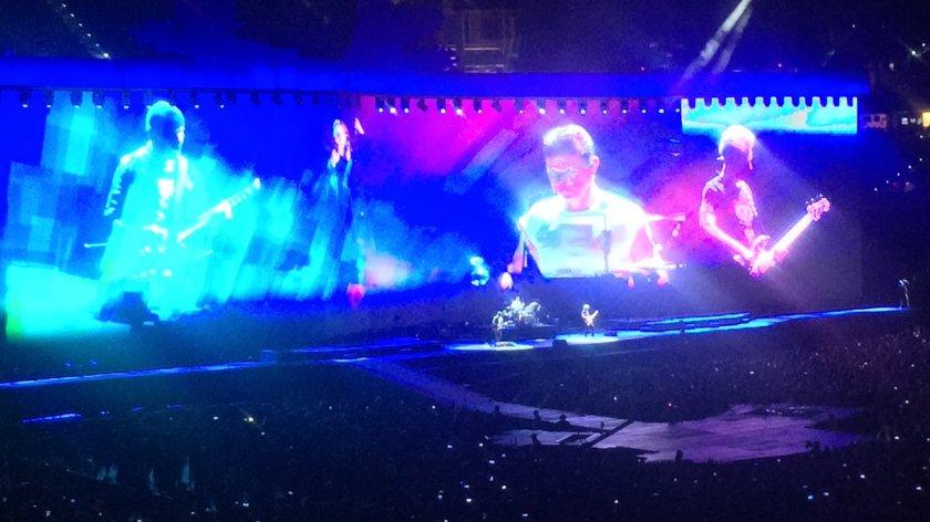 9.12 U2 on big screen