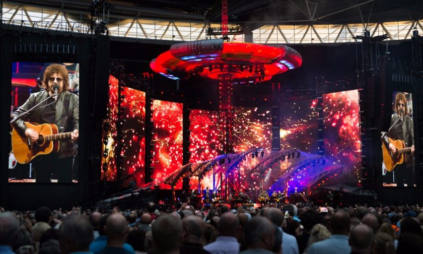 9.27 Jeff-Lynnes-ELO-at-Wembley-Stadium-Nick-Bennett-The-Upcoming-7-1000x600