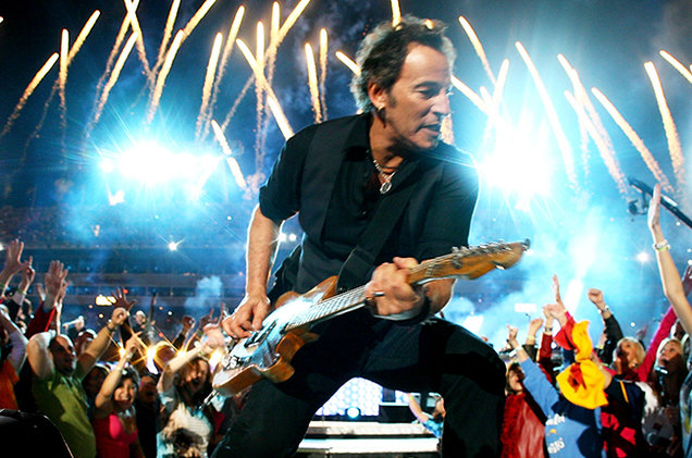 9.7 bruce-springsteen-and-the-e-street-band-performing-2009-billboard-650
