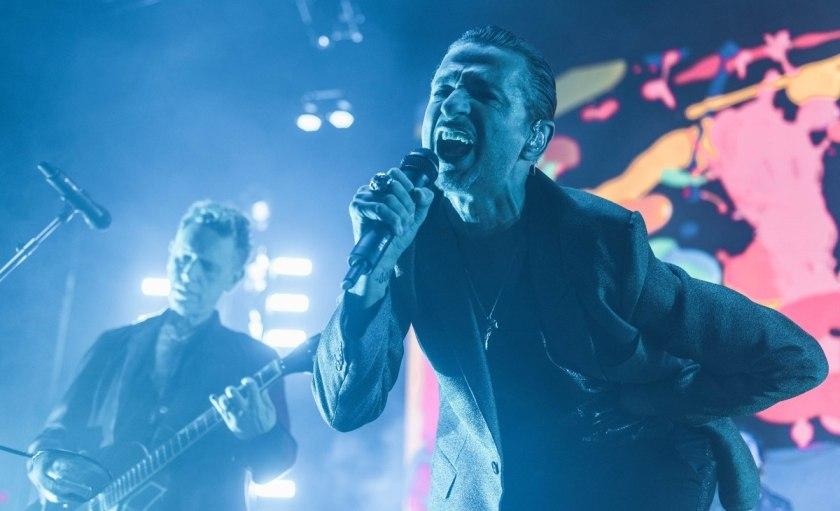 4.12 depeche mode live