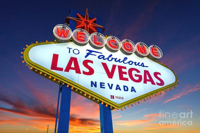 7.27 welcome-to-las-vegas-sign-at-dawn-wide-eric-evans