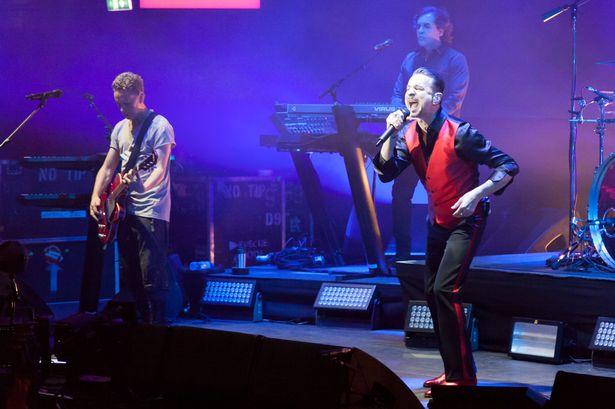 8.14 Depeche Mode Live