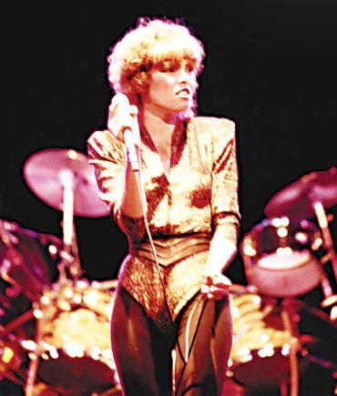 8.22 Pat Benatar in concert in 80s