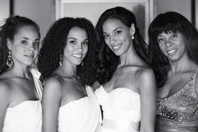 8.23 Donna Summer and her daughters