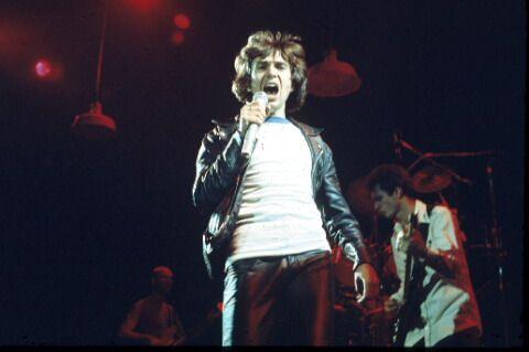 8.29 peter-gabriel-1977 first concert