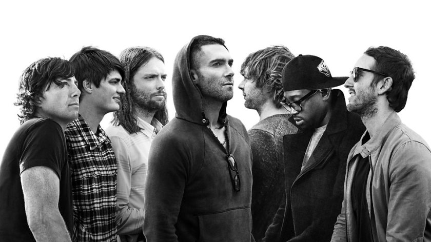 11.16 Maroon 5 Group Photo