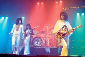 11.2 Queen live 1975