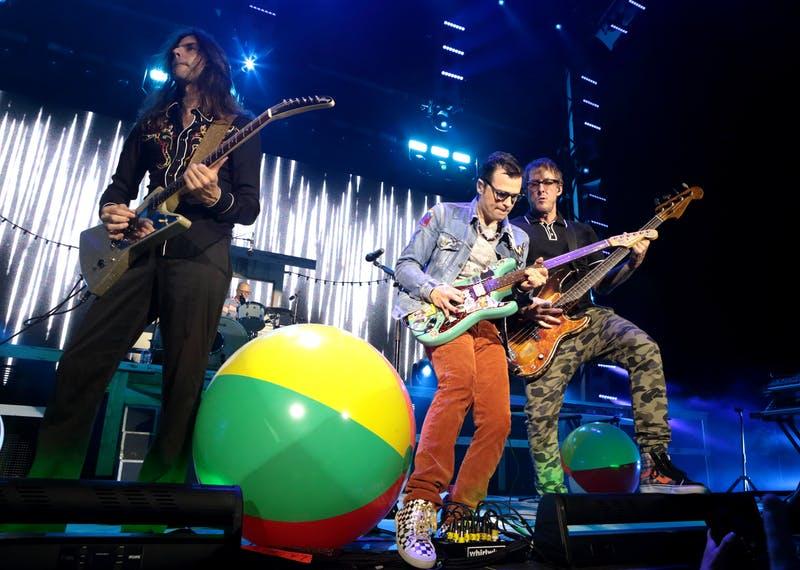 2.26 Weezer live