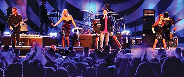 2.28 The B-52's live in athens