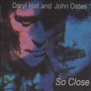 1.22 15.Hall_&_Oates_-_So_Close
