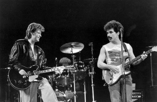 1.22 H & O live 1981