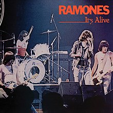 1.6 6.Ramones_-_It's_Alive_cover