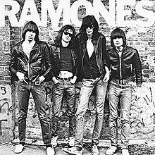 7.4 Ramones - Ramones